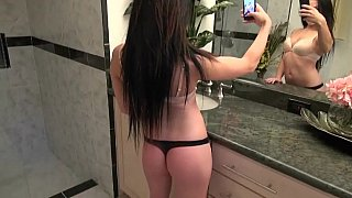 Nikki sending naughty pics to a guy