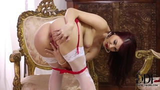 Elegant chick Roxy Mendez masturbates in her underwear
