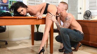Jessica Jaymes & Richie Black in Naughty Office