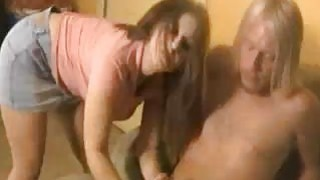 Babe Decided To Help This Guy Relieve His Balls