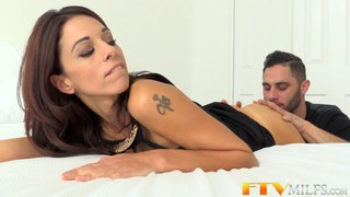 Horny MILF Eva Long gets covered in cum