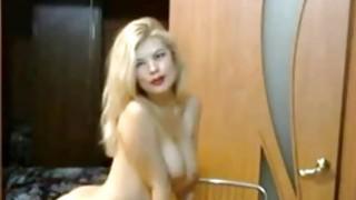 Blonde teen with hot body dancing