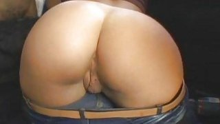 Picked up slut goes dirty with a chap in his car