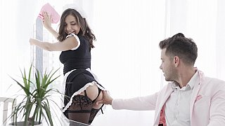 Brunette was maid for blowjobs